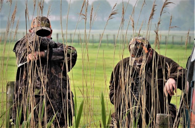 Jagers zijn niet gecharmeerd van onze aanwezigheid.