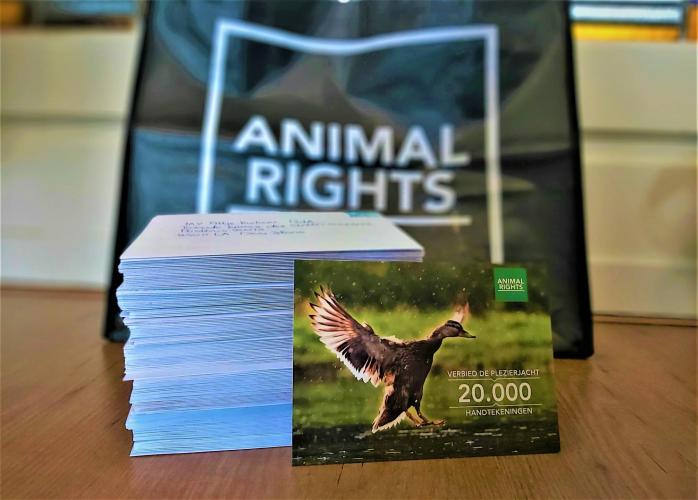 20.000 handtekeningen tegen de plezierjacht.
